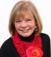 This is a super informative and interesting nonprofit interview with Sandy McDonald of knit-a-square and KasCare.