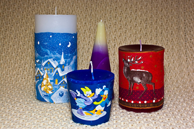 Christmas Themed Candles are a great Xmas Fundraising Idea! Take a look at more brilliant Christmas Fundraisers.(Photo by Jukka Zitting / Flickr)